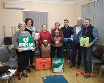 Members of the course carried out using the defibrillator in Torres de Barbués