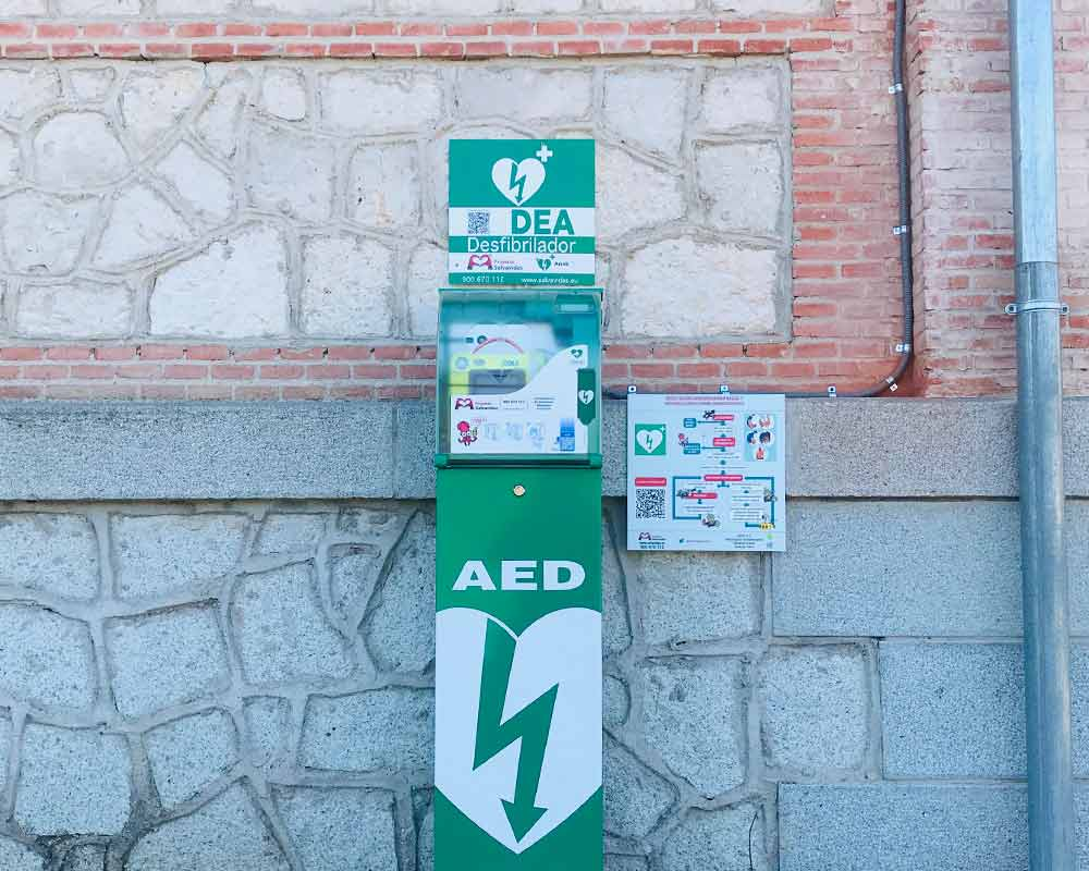 Outdoor defibrillators