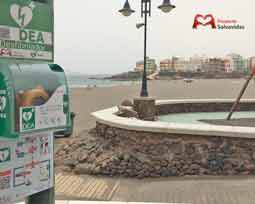 Beaches with external defibrillators