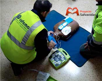Installation of defibrillator and training on its use in COFEMA